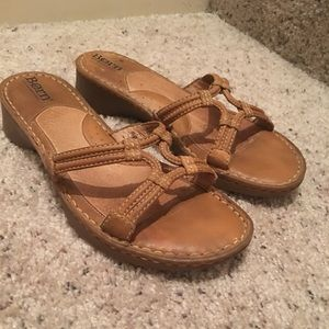 Women's leather Born Sandals size 8M